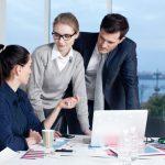 アドラー流リーダーシップ:上司をめぐる「三角関係」問題を解決する方法